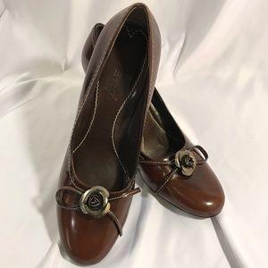 Women's Vero Cuoio Heels Pumps Size 8.5 N Leather